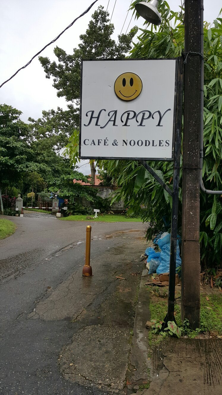 Happy Cafe & Noodles